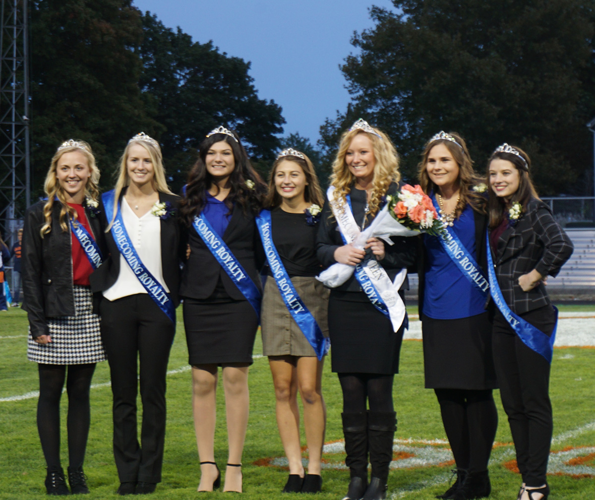 homecoming game - court and queen gracie groves.jpg